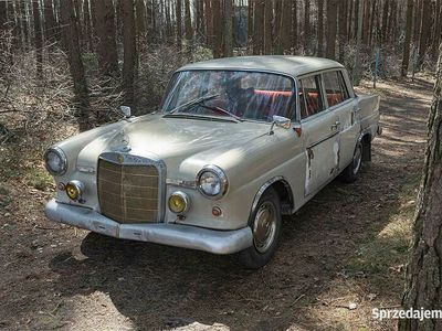 używany Mercedes 190 D W110 Skrzydlak 1962r