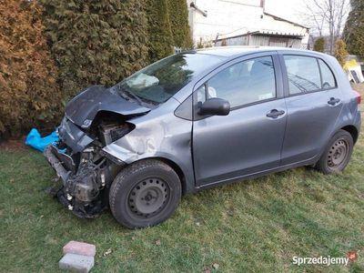 używany Toyota Yaris 1.3 101 Km w całości lub na części