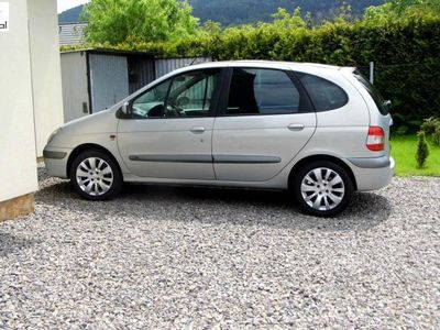 używany Renault Scénic 2dm3 140KM 2002r. 110 000km EXPRESSION 16V ABS automatyczna klima.