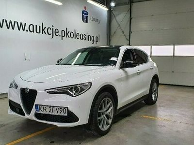używany Alfa Romeo Stelvio 2dm 280KM 2017r. 80 643km