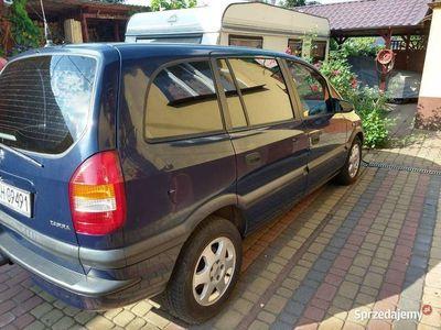 używany Opel Zafira 1,6 BENZ+CNG ,siedem osób, piękny stan