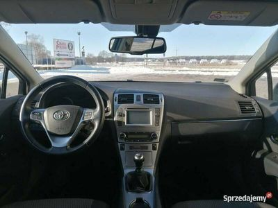 używany Toyota Avensis