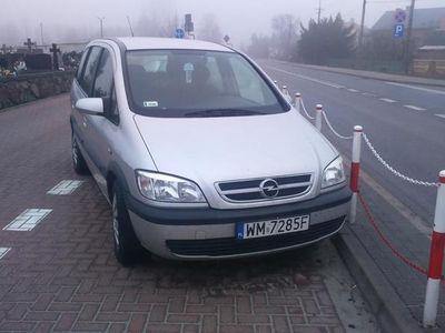 używany Opel Zafira 2005r.
