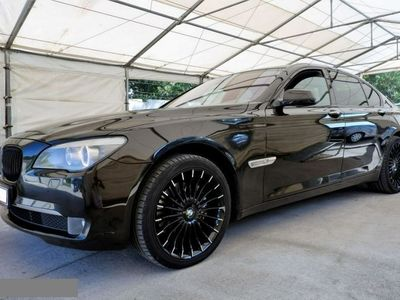 używany BMW 730 3dm 245KM 2010r. 207 000km