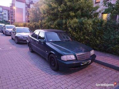 używany Mercedes C180 benz+gaz + nowe(przegląd i ubezpieczenie)