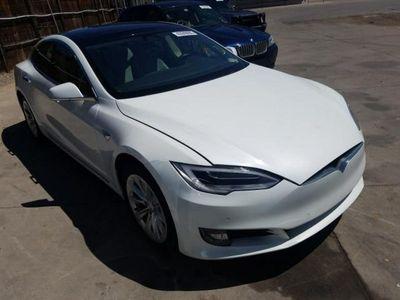 używany Tesla Model S 0dm 382KM 2016r. 19 100km