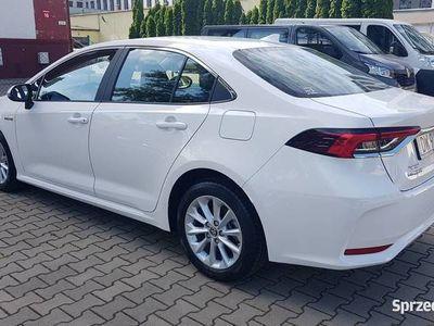 używany Toyota Corolla 1.8 Hybrid Wynajem długoterminowy samochodów