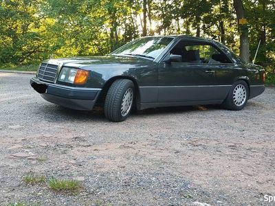 używany Mercedes 230 W124 Coupe