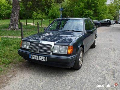 używany Mercedes E300 W124 kombi TE książka serwisowa