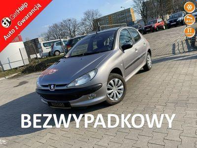 używany Peugeot 206 1.4dm 75KM 2003r. 143 567km