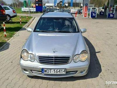 używany Mercedes C220 Skóra 1 rej 2005 W jednych rękach 6 lat W203 (2000-2007)