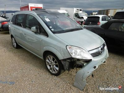 używany Opel Zafira AE406