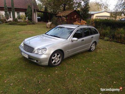 używany Mercedes C200 klasacdi