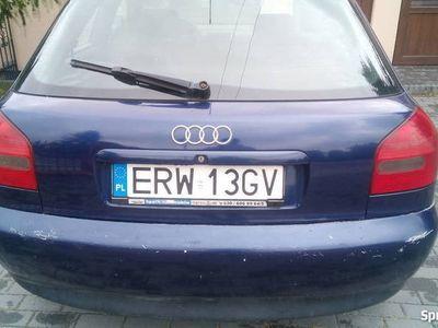 używany Audi A3 1. 8 benzyna o mocy 125 8L