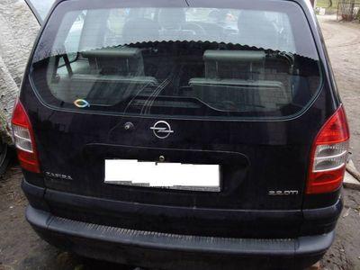 używany Opel Zafira A Y22DTR czarna Z20R