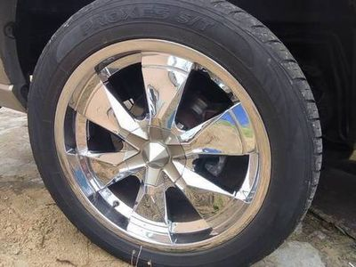 używany Cadillac Escalade LPG 6.0 V8 mocny wóz