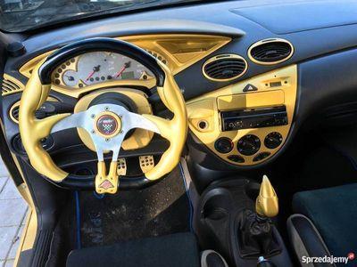 używany Ford Focus 2.0 16V