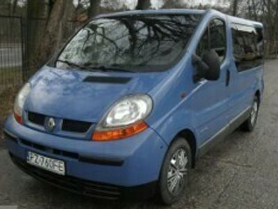 używany Renault Trafic II 1.9 DCI zarejestr.9-osobowy klima I rej.2006 r.