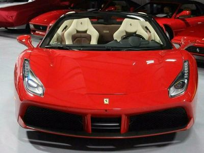 używany Ferrari 488 488SPIDER RED 2018 8 CYLINDER BENZ. 670KM 4575KM