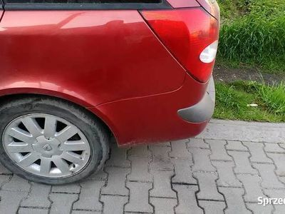 używany Renault Laguna II uszkodzona belka zawieszenia