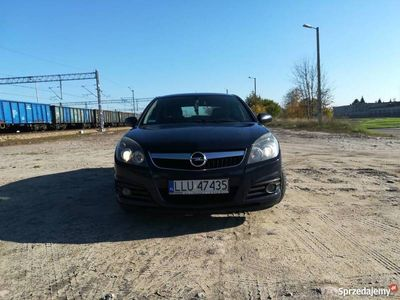 używany Opel Vectra GTS 1.9 CDTI 120 KM