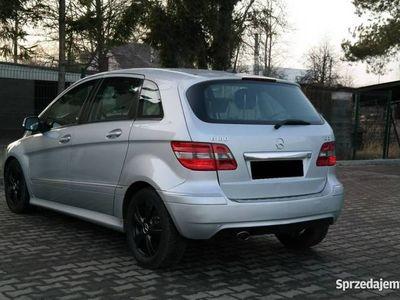 używany Mercedes B180 2dm 109KM 2009r. 228 000km