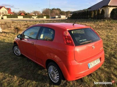 używany Fiat Grande Punto 1.3dm 75KM 2008r. 200 000km