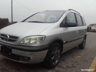 używany Opel Zafira A 2003r.