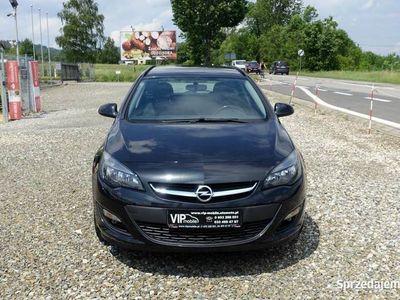 używany Opel Astra 1.7dm 110KM 2014r. 224 000km