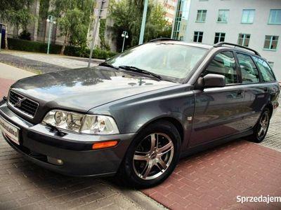 używany Volvo V40 1.9dm 115KM 2002r. 265 000km