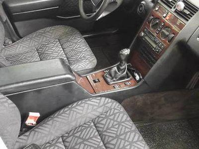 używany Mercedes C180 W202 c-klasawersja elegance sprzedam