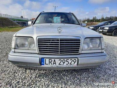 używany Mercedes E250 W124Diesel / Kombi / Hak