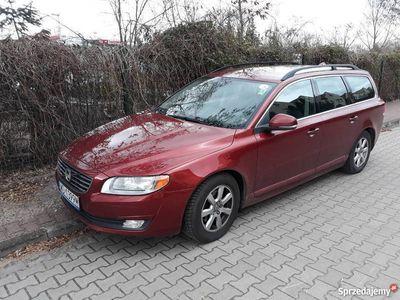 używany Volvo V70 III rubinowy