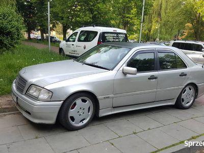 używany Mercedes C280 AMG