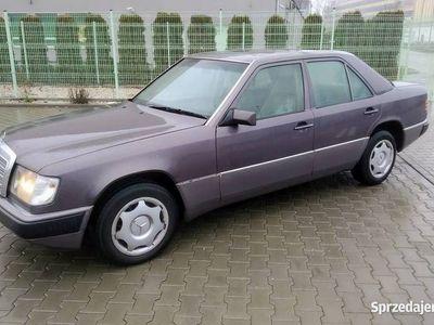 używany Mercedes 200 W1241992rok Jasny Środek Prawdziwy Klasyk !!