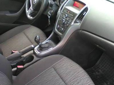 używany Opel Astra benzyna