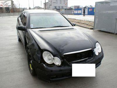 używany Mercedes C200 2dm 129KM 2001r. 190 000km
