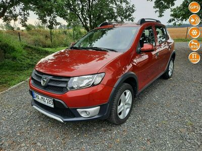 używany Dacia Sandero Stepway 0.9dm 90KM 2014r. 125 241km