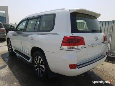 używany Toyota Land Cruiser Land Cruiser5.7 V8 benz. 6-bieg. automat 381 KM 2013 VI (2010-)