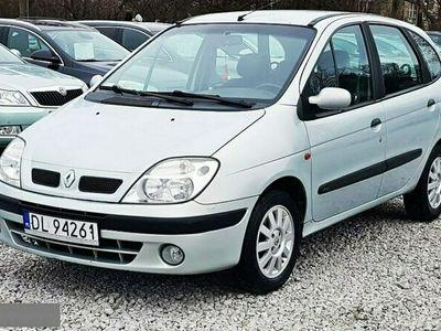 używany Renault Scénic 1.9dm 102KM 2001r. 226 000km