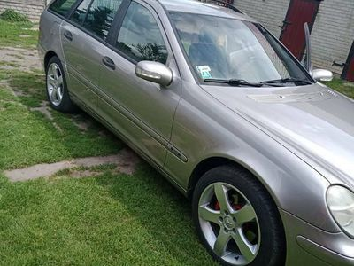 używany Mercedes 180