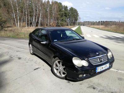 używany Mercedes C220 C 220 W203W203