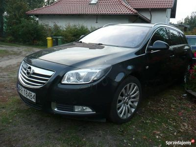 używany Opel Insignia  2010 r 2.0 tdi czarny combi