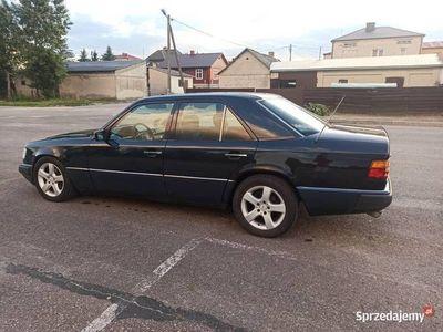 używany Mercedes E250 W124 TD 2.5TD klima oryginał dla kolekcjonera
