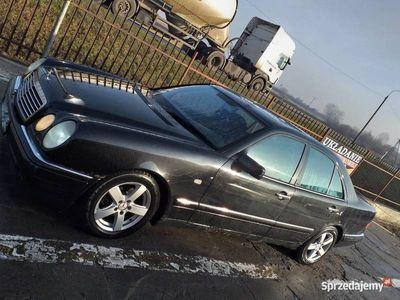 używany Mercedes 240