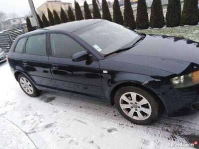 używany Audi A3 8p 1.9 TDI 2006r lekko uszkodzona