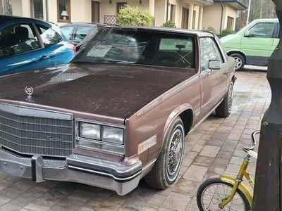 używany Cadillac Eldorado V8 24k przebiegu, stan jak nowy.