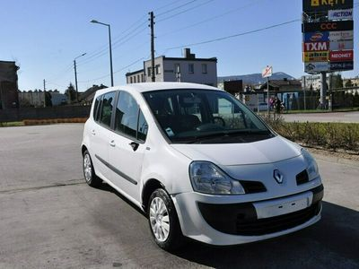 używany Renault Grand Modus 1.1dm 95KM 2011r. 205 829km