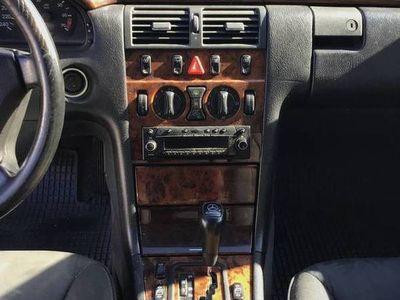używany Mercedes E240 W210 kombiS210 automat99'r.przedliftELEGANCE