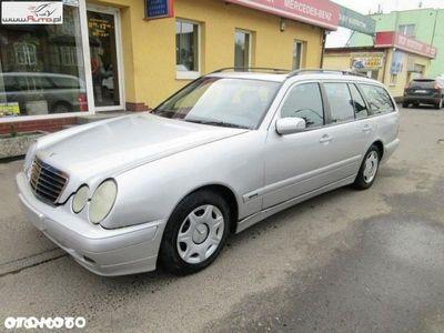 używany Mercedes E220 2.2dm3 136KM 2001r. 450 000km 2,2 CDI Kombi Klima 7 Osobowy Opłacony